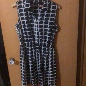 Ladies this is a Alfani dress very cute on